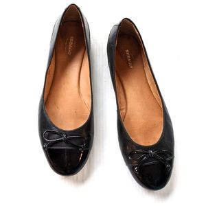 SEBAGO Darby ballet black patent leather flats